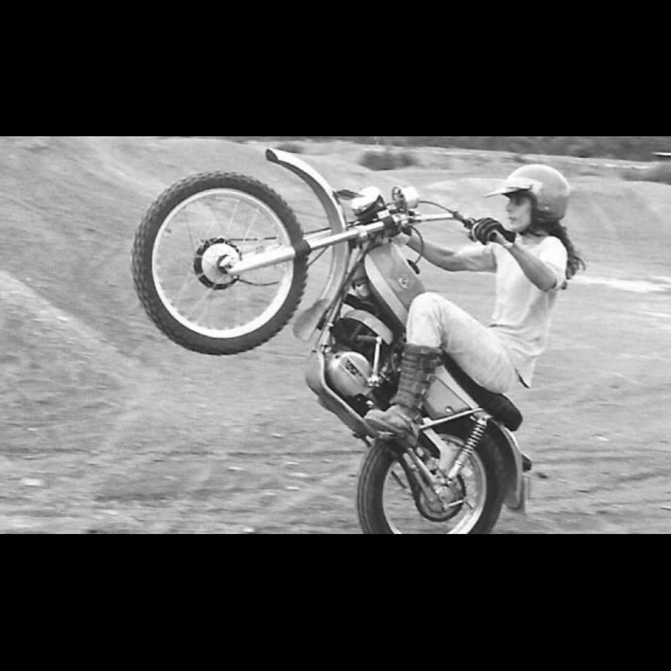 bultaco_et_les_femmes_2_.jpg